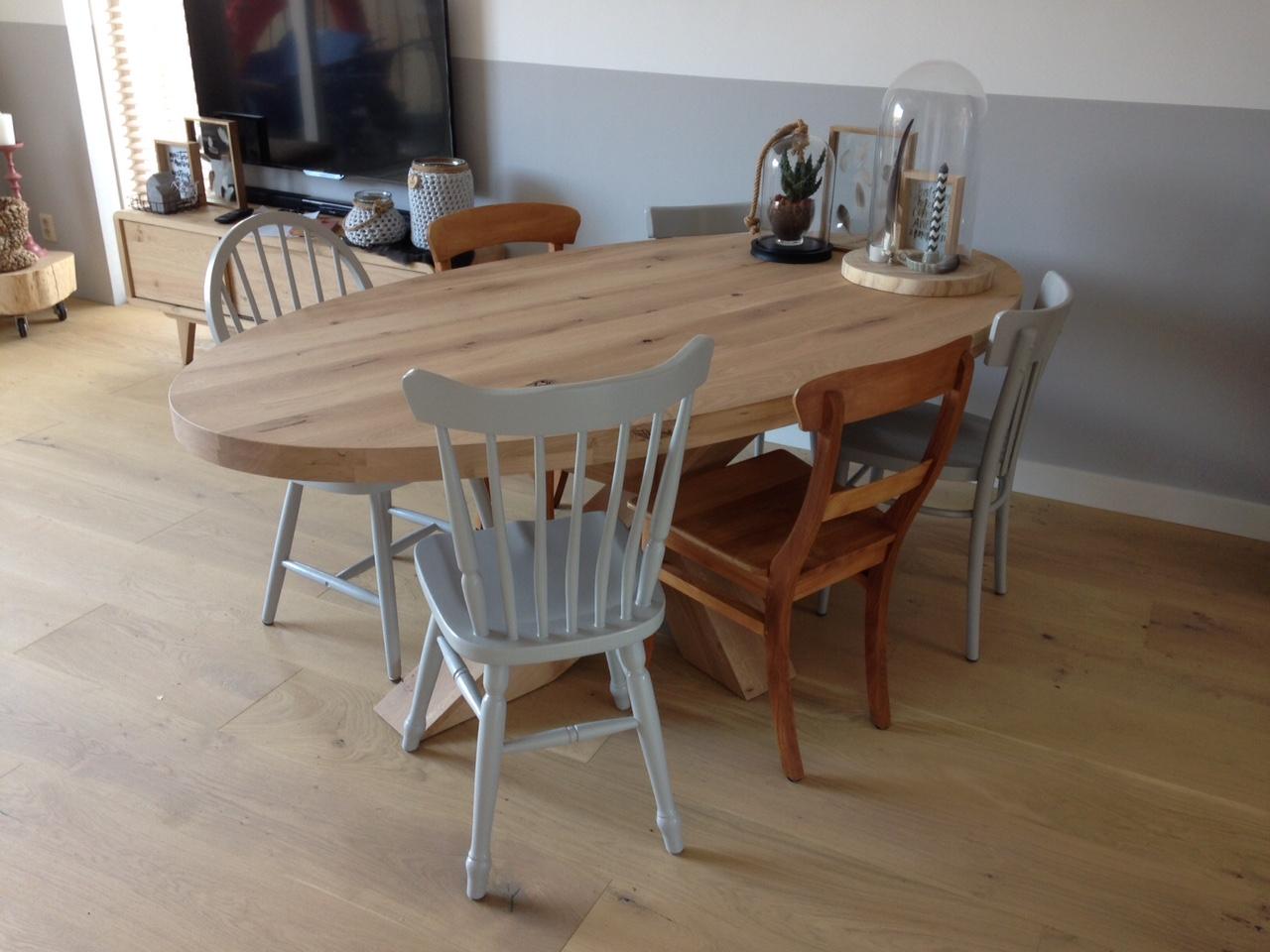 Ovale tafel eikenhout kruisonderstel te boveldt for Tafel ovaal