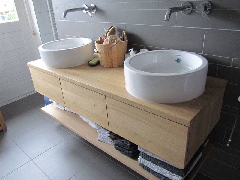 Badkamermeubel eikenhout 3 laden te boveldt for Zelf maken badkamermeubel