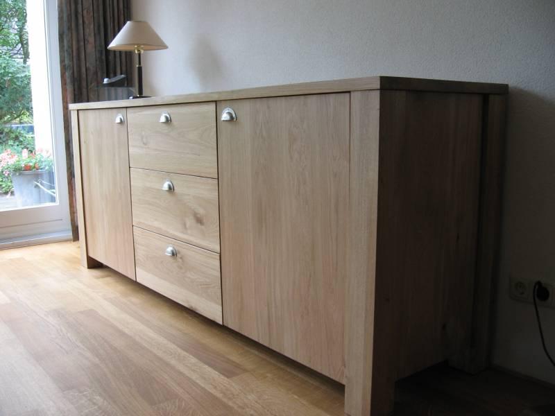 Dressoir licht rustiek eiken deuren laden grepen te boveldt meubelmakerij interieurbouw - Kledingkast en dressoir ...