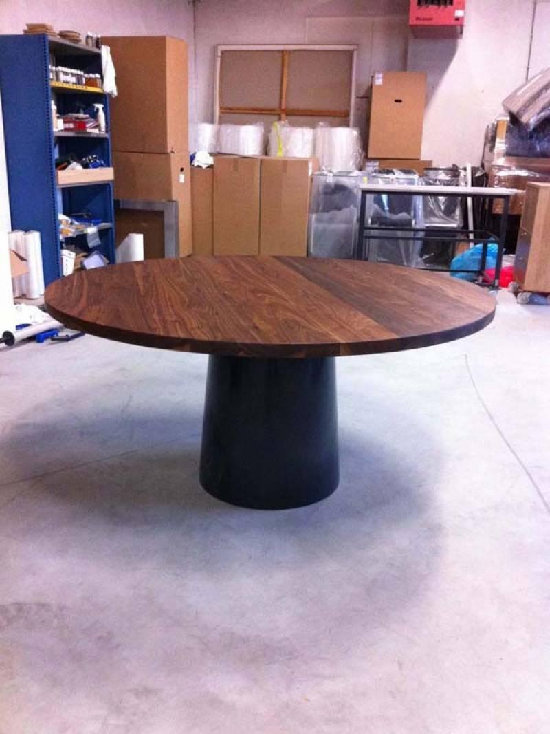 Ronde tafel met stalen poot   Te Boveldt Meubelmakerij  u0026 Interieurbouw