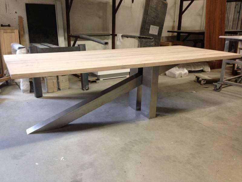 Springplank tafel eikenhout RVS onderstel   Te Boveldt Meubelmakerij  u0026 Interieurbouw