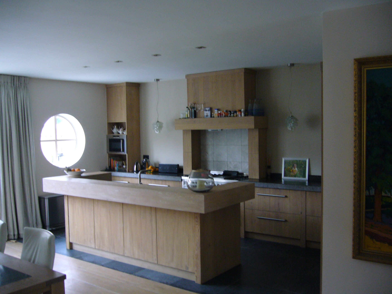 Keuken geborsteld eiken met natuursteen Te Boveldt