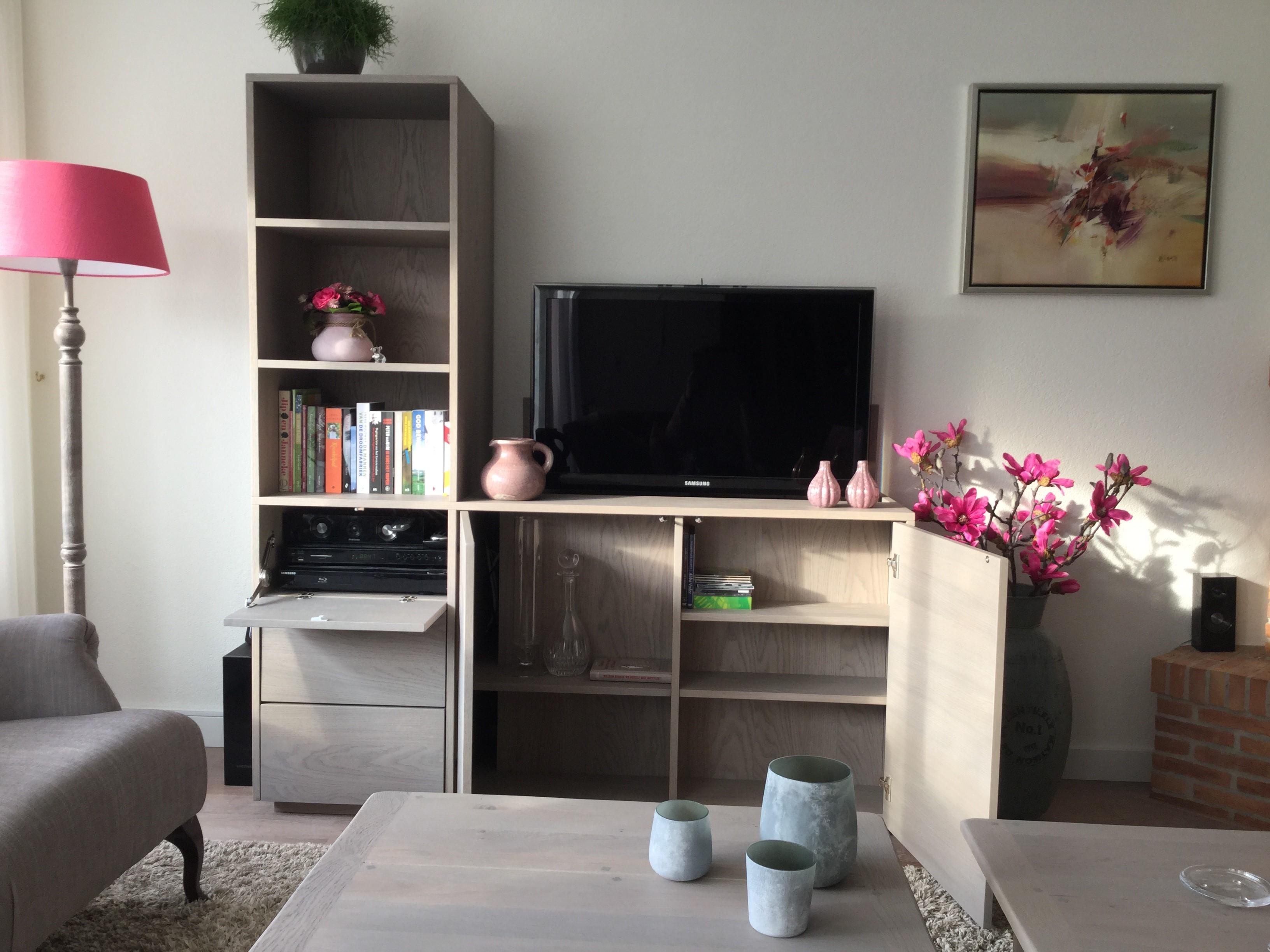 Boekenkast tv meubel licht rustiek eiken   Te Boveldt Meubelmakerij  u0026 Interieurbouw