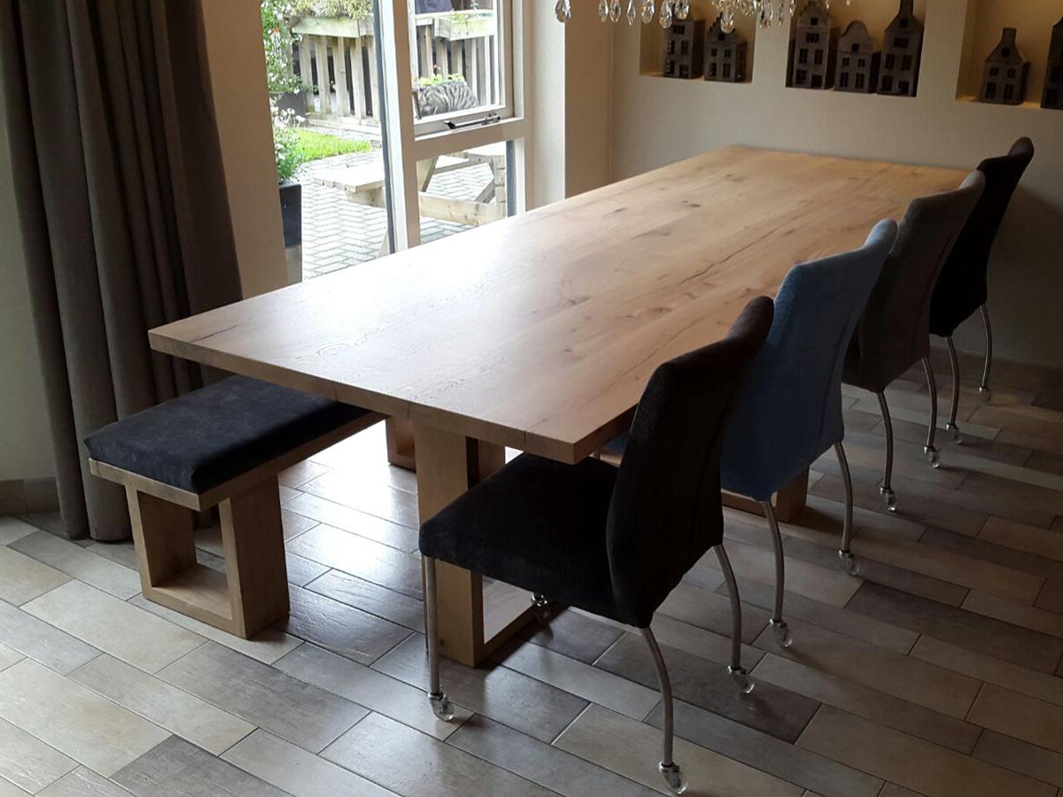 Moderne eiken eettafel bijpassende banken te boveldt meubelmakerij interieurbouw - Moderne eettafel ...