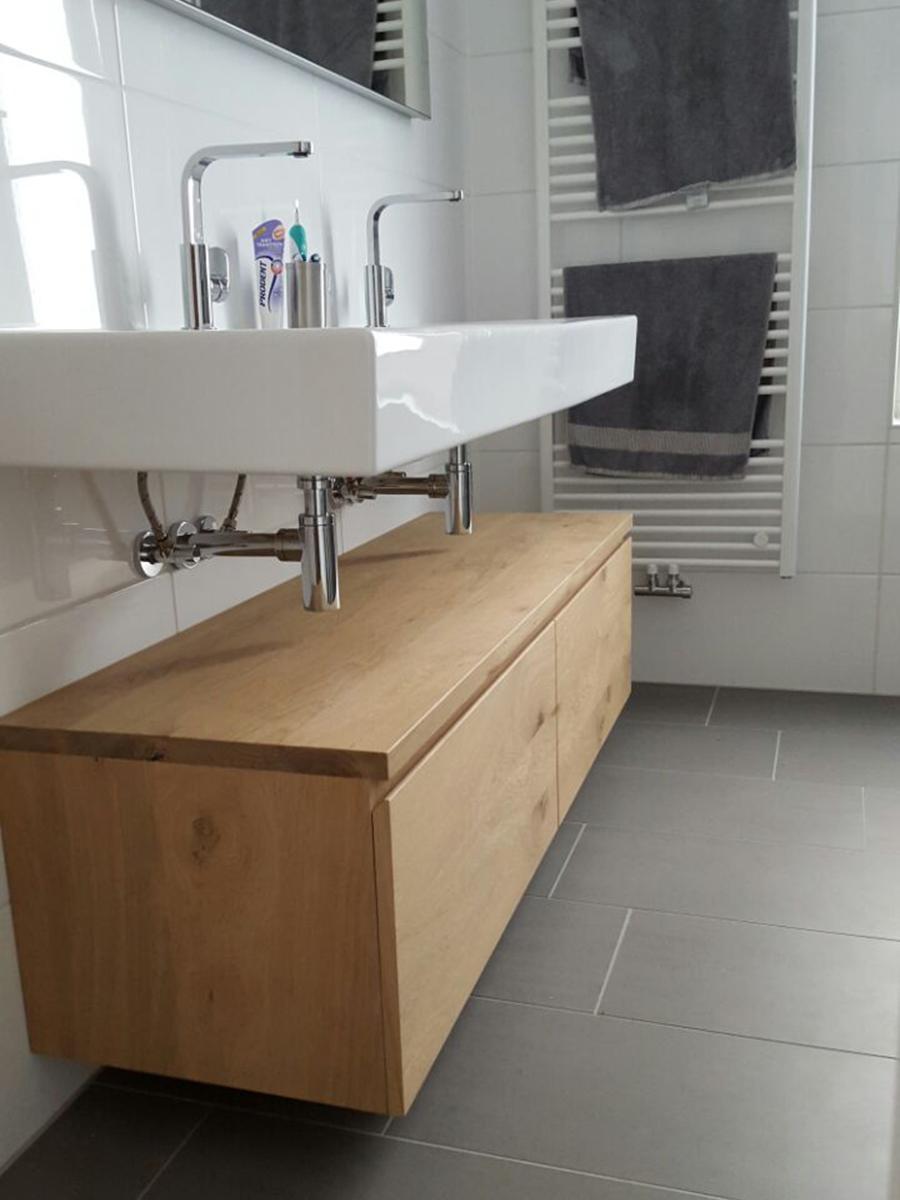 badkamermeubel licht rustiek eiken zwevend laden te