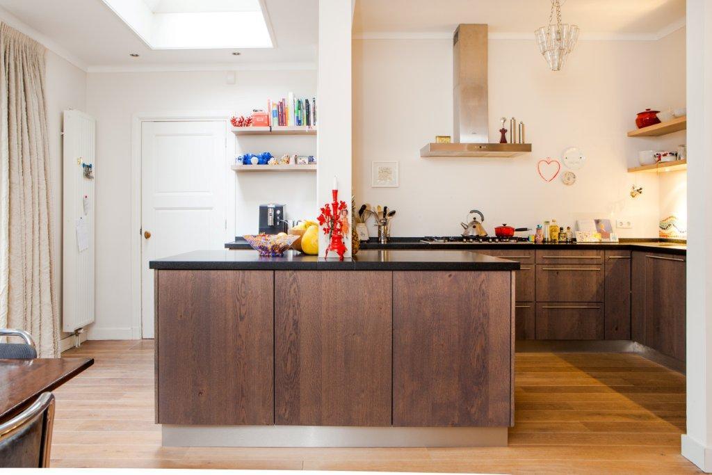 Keuken eikenhout composiet rvs te boveldt meubelmakerij interieurbouw - Keuken in lengte ...