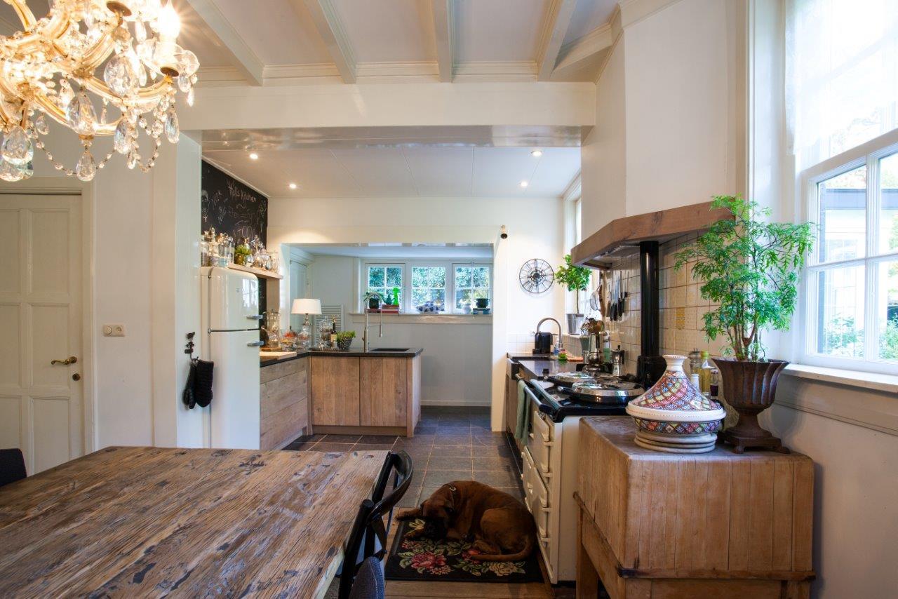 Eikenhout In Keuken : Keuken stoer eikenhout composiet greeploos Te Boveldt