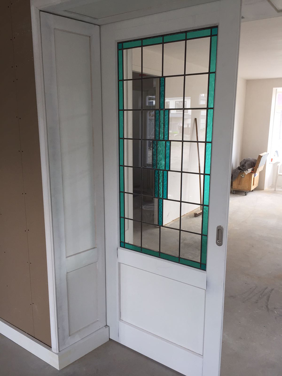 Kamer en suite glas in lood mdf te boveldt meubelmakerij interieurbouw - Keuken glas werkplaats ...