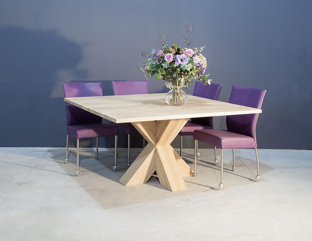 Vierkante kruispoot tafel te boveldt meubelmakerij for Vierkante tafel