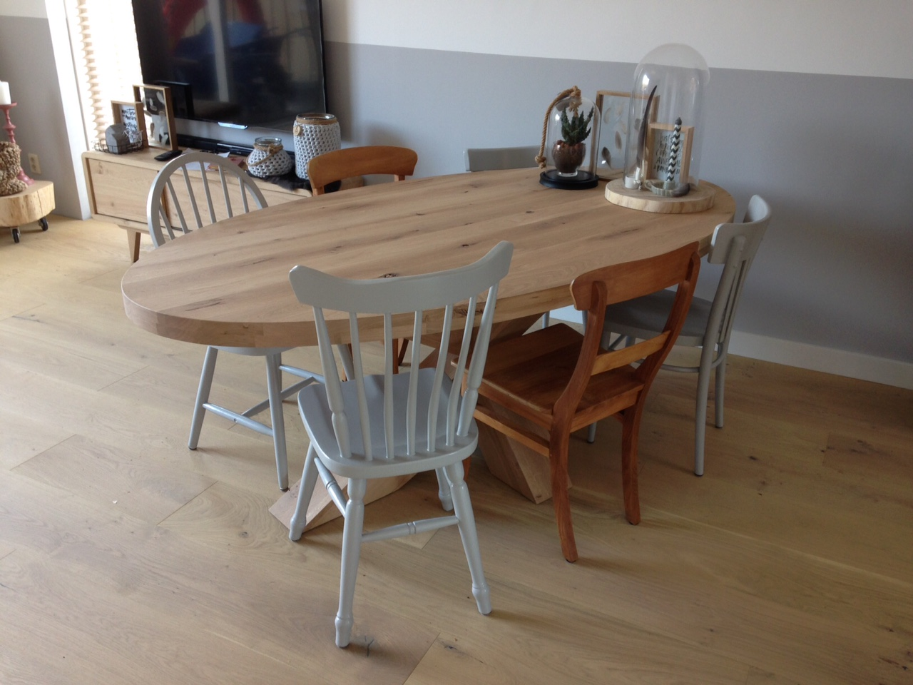 Ovale tafel eikenhout kruisonderstel   Te Boveldt Meubelmakerij  u0026 Interieurbouw