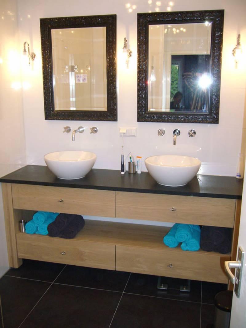 badkamermeubel eikenhout natuursteen te boveldt