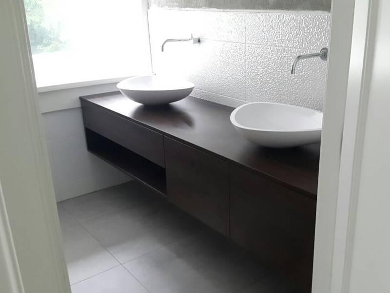 Badkamermeubel zwevend eiken design waskommen te boveldt meubelmakerij interieurbouw - Badkamer meubels ...