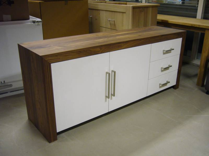 Keuken Walnoot : Dressoir modern walnoot MDF RAL 9010 Te Boveldt ...