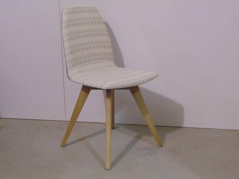 Eetkamerstoel mood hout te boveldt meubelmakerij for Eetkamerstoelen kuipjes