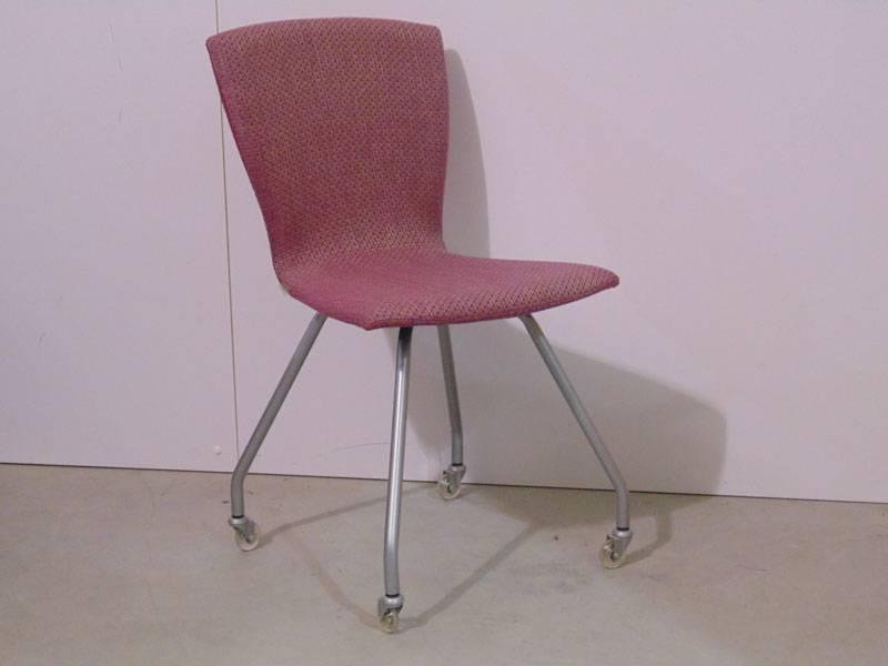Eetkamerstoel mood wieltjes te boveldt meubelmakerij for Eetkamerstoelen kuipjes