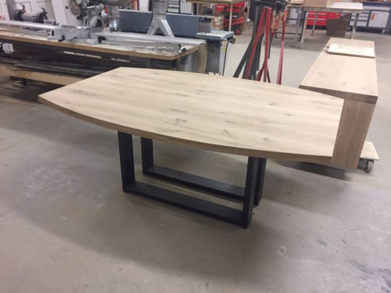 Tafel ovaal hout. eiken industrile eettafel rond ovaal model atos