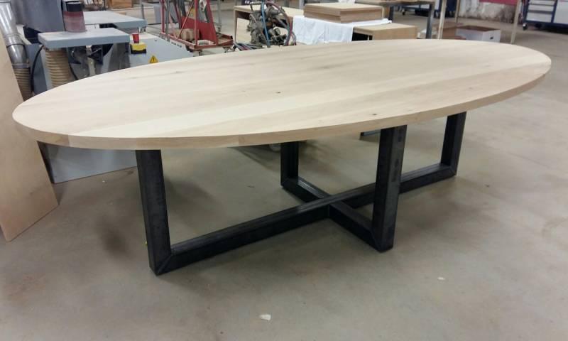 Eetkamertafels hout robuust home design idee n en meubilair inspiraties - Eettafel en houten eetkamer ...