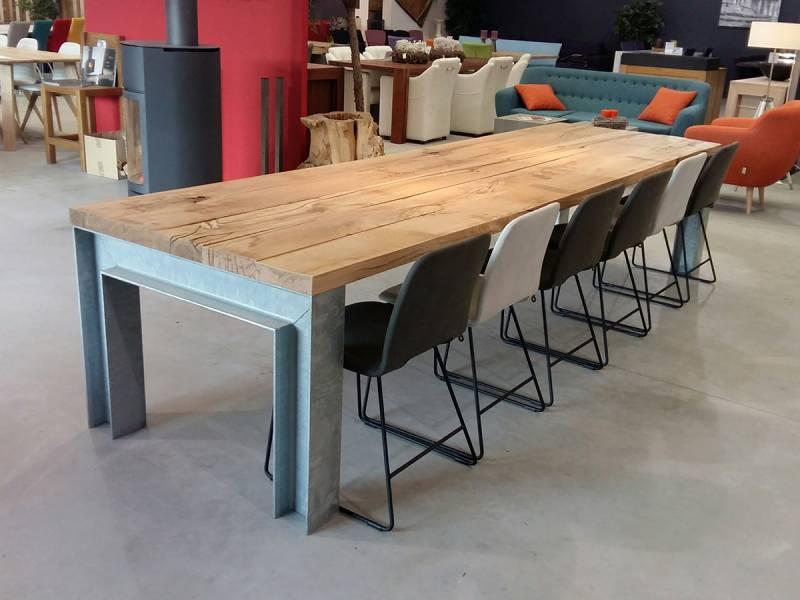 Eettafel robuust eiken gegalvaniseerd staal h profiel te boveldt meubelmakerij interieurbouw - Eettafel moderne ...