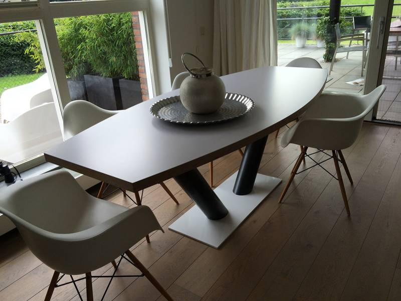 Half ovale tafel eiken rvs kanonpoot te boveldt meubelmakerij