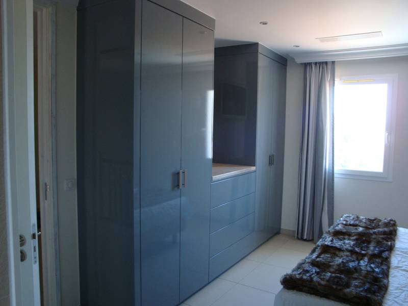 Inbouwkast kledingkast hoogglans ral eikenhout mdf te boveldt meubelmakerij interieurbouw - Kledingkast en dressoir ...