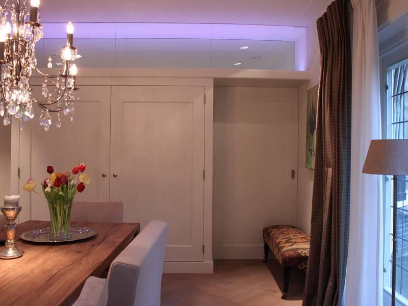 Kamer en suite led verlichting eikenhout ral zijdeglans te boveldt meubelmakerij interieurbouw - Badkamer kamer model ...