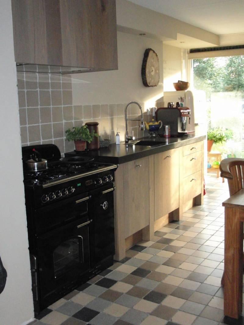 Keuken eiken te boveldt meubelmakerij interieurbouw - Keuken licht eiken ...