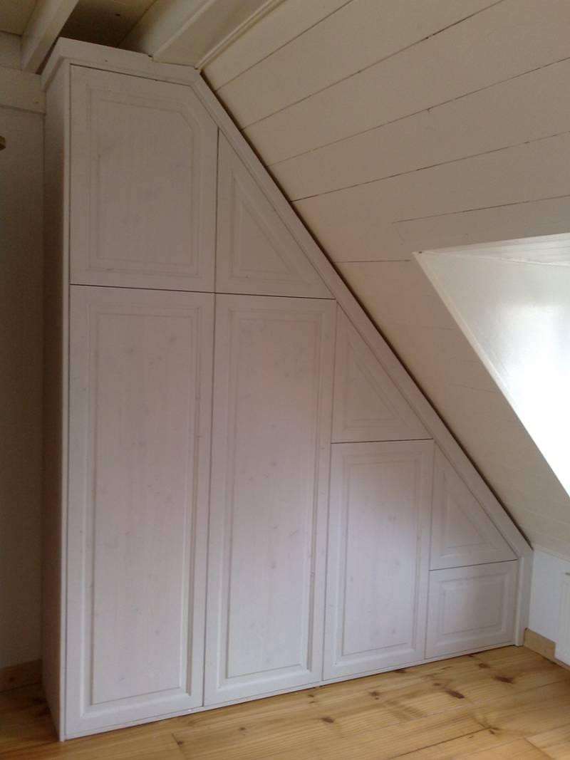 Kledingkast Inbouwkast Schuine Wand Grenenhout Bossing