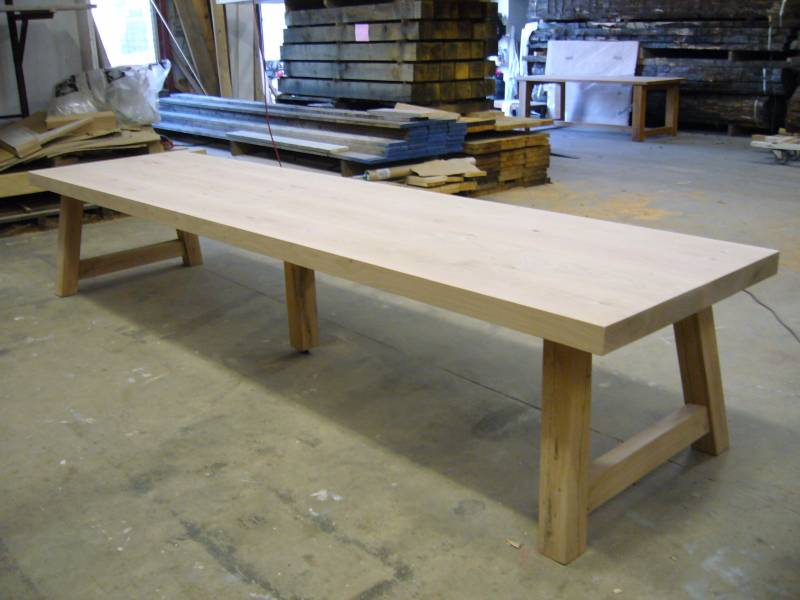 Lange robuuste tafel met middenpoot te boveldt for Sideboard 4 meter lang