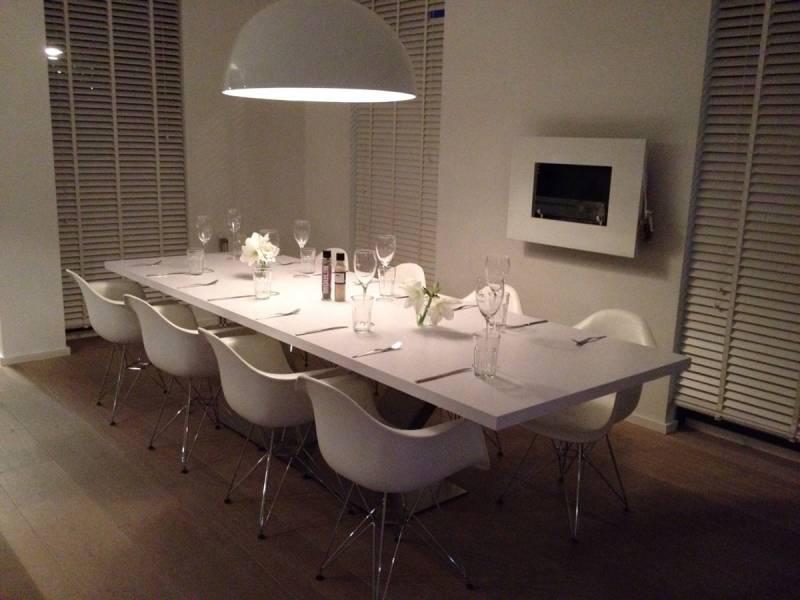 Moderne eettafel ral zijdeglans rvs te boveldt meubelmakerij interieurbouw - Eettafel moderne ...