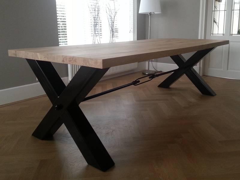 Moderne Eiken Salontafel.Moderne Tafel X Poot Eiken Zwart Staal Te Boveldt