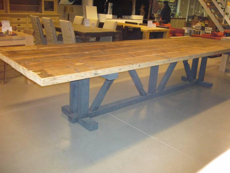 Grenen Uitschuifbare Eettafel.Robuust Grenen Tafel Te Boveldt Meubelmakerij Interieurbouw