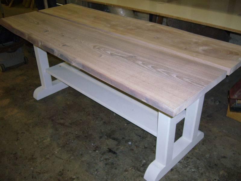 Robuuste tafel wit onderstel   Te Boveldt Meubelmakerij  u0026 Interieurbouw
