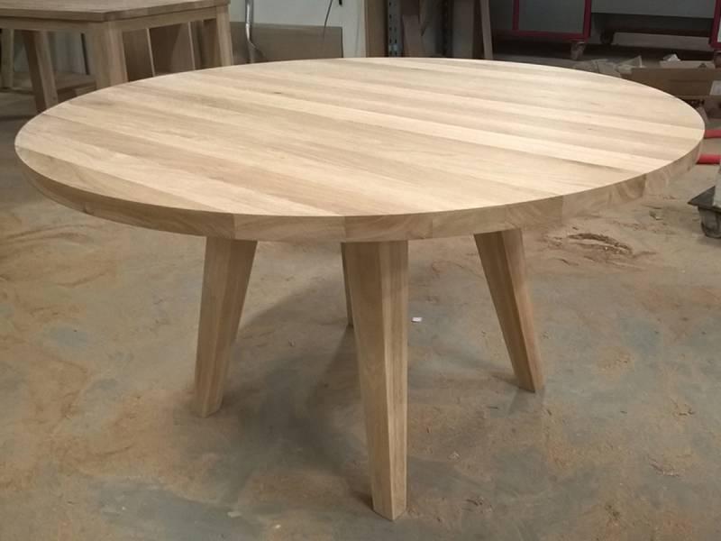 Ronde tafel eikenhout tapse poten schuin   Te Boveldt Meubelmakerij  u0026 Interieurbouw