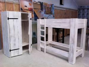 Stapelbed en kledingkast te boveldt meubelmakerij interieurbouw - Kledingkast en dressoir ...