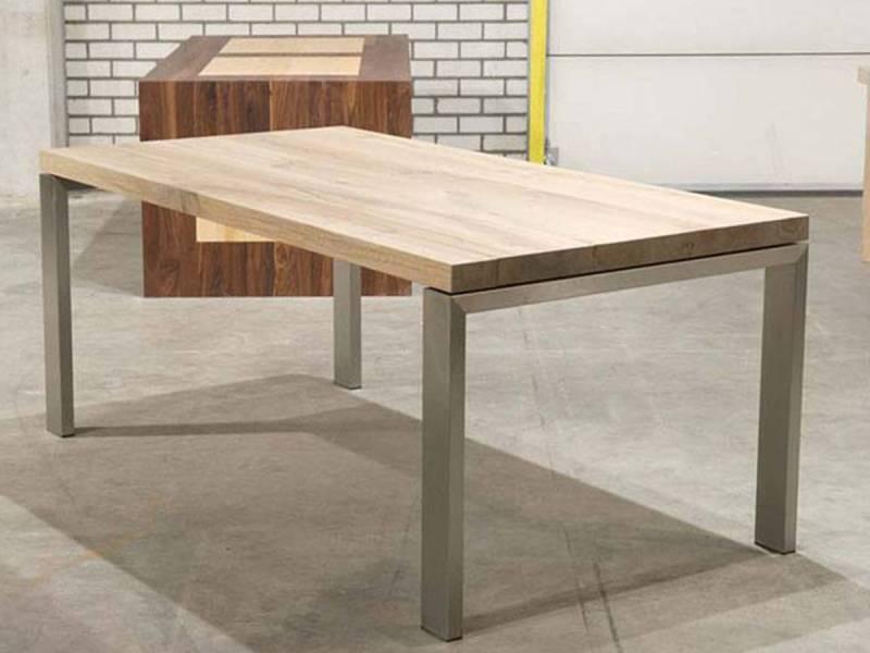 Licht Eiken Eettafel : Tafel licht rustiek eiken rvs jukken te boveldt meubelmakerij