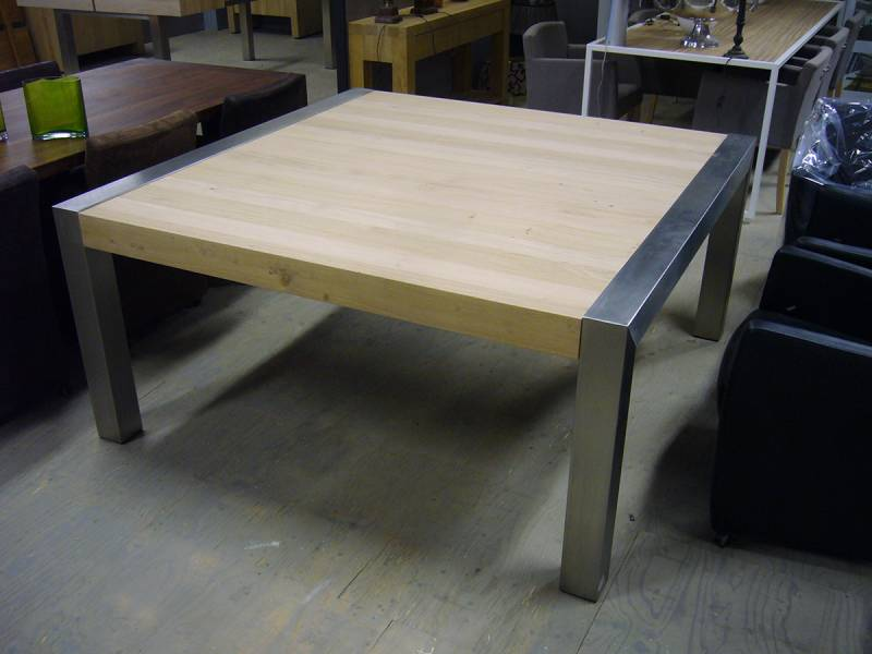 Vierkante Eettafel 150x150 Cm.Tafel Vierkant Eiken Opgedikt Rvs Verstek Te Boveldt Meubelmakerij