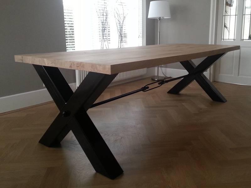 Tafel x poot eikenhout zwart staal  Te Boveldt Meubelmakerij ...
