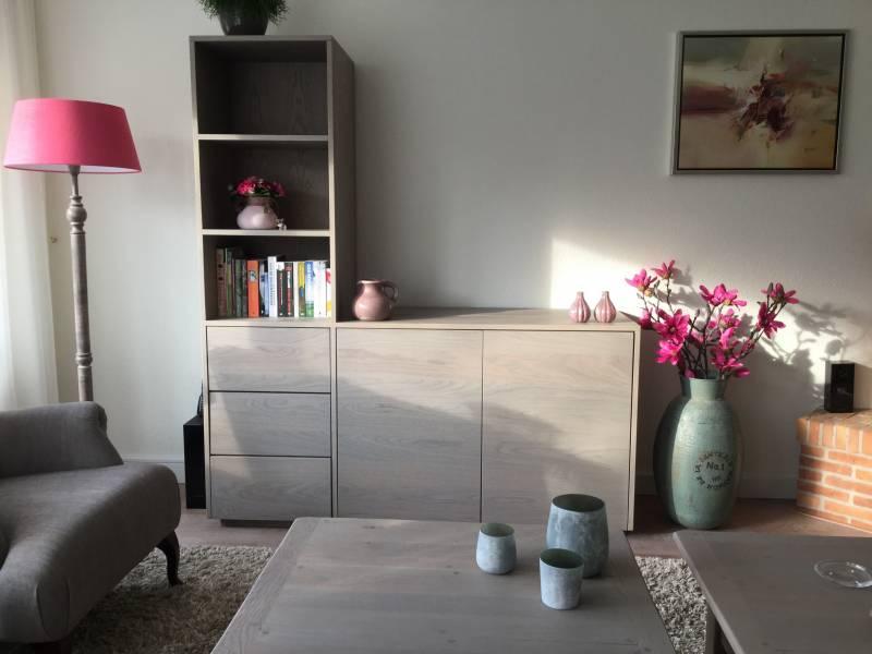 Tv meubel boekenkast licht rustiek eiken   Te Boveldt Meubelmakerij  u0026 Interieurbouw