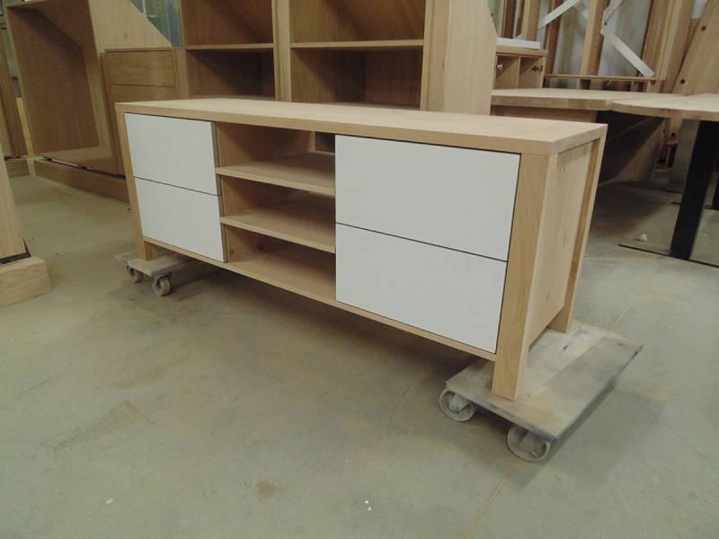 Zelf Te Maken Eiken Badkamer Meubels : tv meubel meubel gemaakt van ...