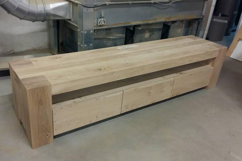 Eikenhout Tv Meubel : Tv meubel eikenhout laden greeploos robuust te boveldt