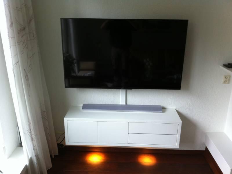 Tv Meubel 9010.Tv Meubel Zwevend Ral9010 Zijdeglans Met Spots Te Boveldt