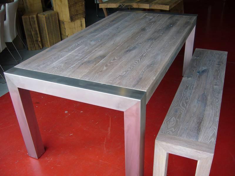 Uitschuifbare Eettafel White Wash.Uitschuifbare Tafel Met Rvs Jukken Te Boveldt
