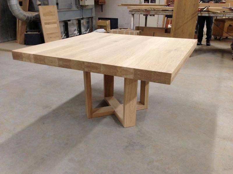 Vierkante Uitschuif Eettafel.Vierkante Eettafel Met Uniek Onderstel Te Boveldt